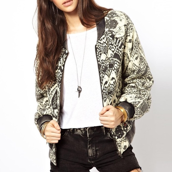 cacb23c91 🌚Free People Printed Quilted Bomber Jacket